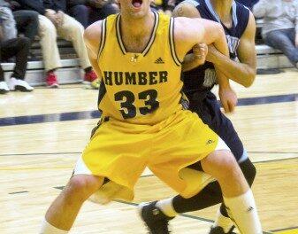 Edelsward making huge impact for Hawks' men's basketball