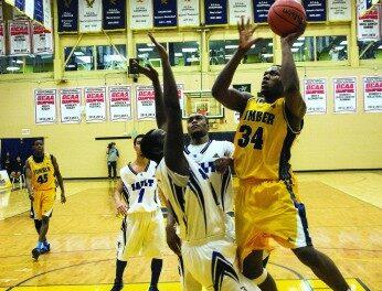 Hawks men's basketball wins back-to-back over Sault