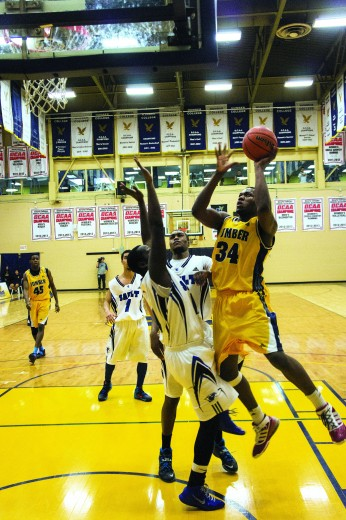 Hawks men's basketball wins back-to-back over Sault
