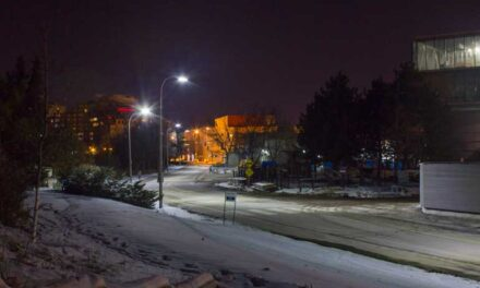 Off-campus walking paths rarely safely lit