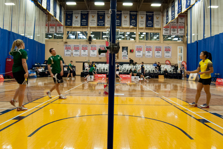 Badminton regional tourney dominated by Hawks players