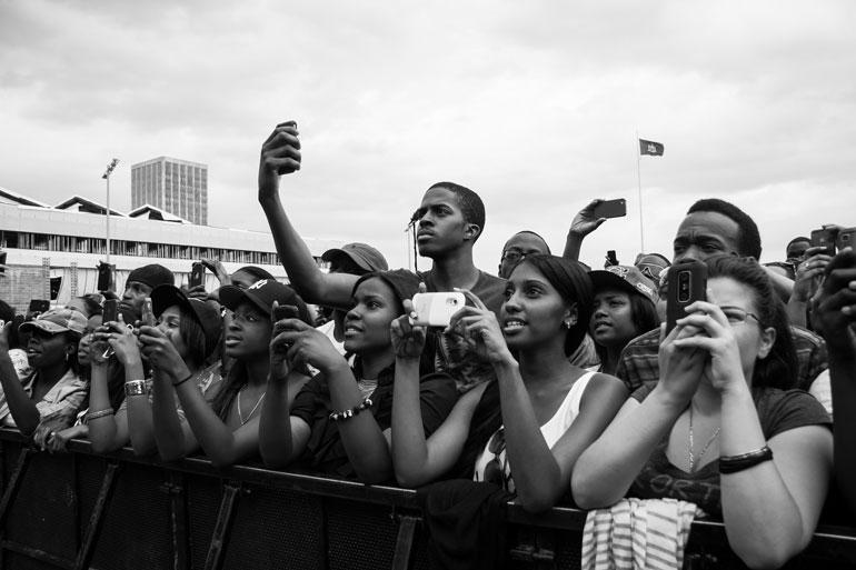 Social media sparks narcissistic generation