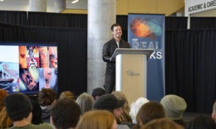 Lovebot creator Matthew Del Degan gives Toronto a heart