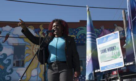 Lakeshore rallies behind striking faculty