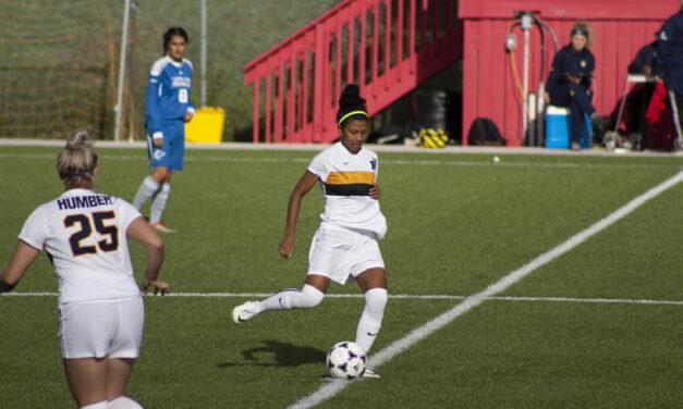 Women's soccer team keeps their winning streak
