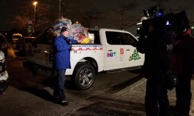 Twenty-third annual Toy Mountain campaign makes Lakeshore stop