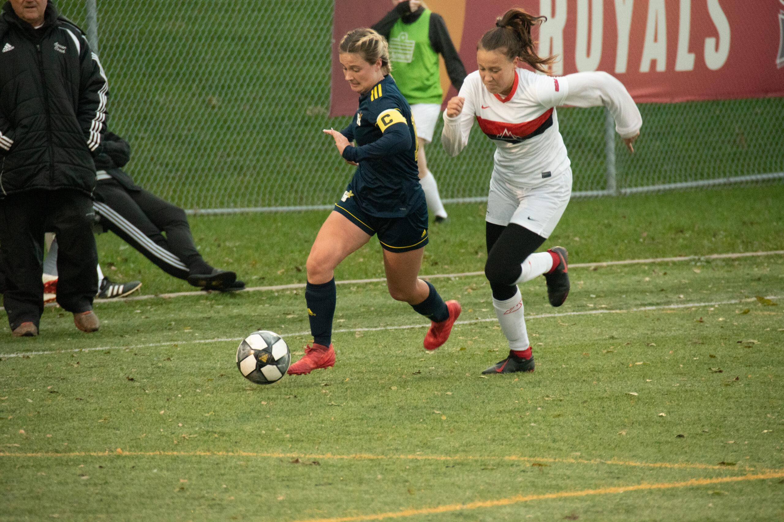 Draw against Mohawk ends women's six-game winning streak