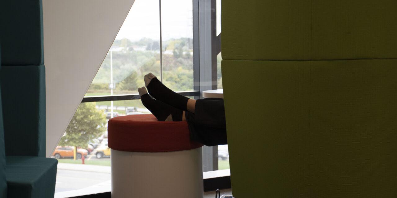 Sleep lounge popular despite privacy, noise concerns