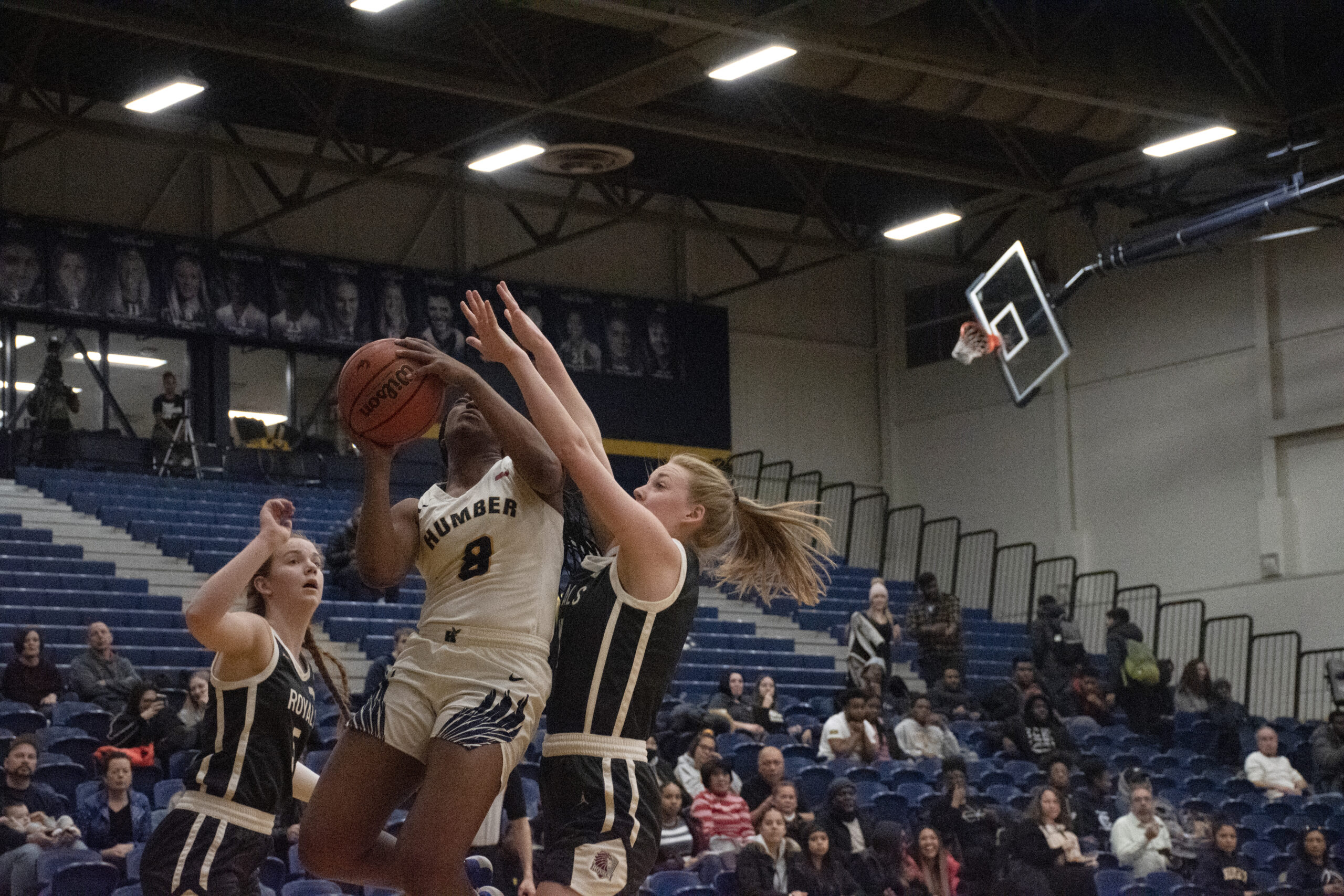 Women's basketball team schools Redeemer by 40