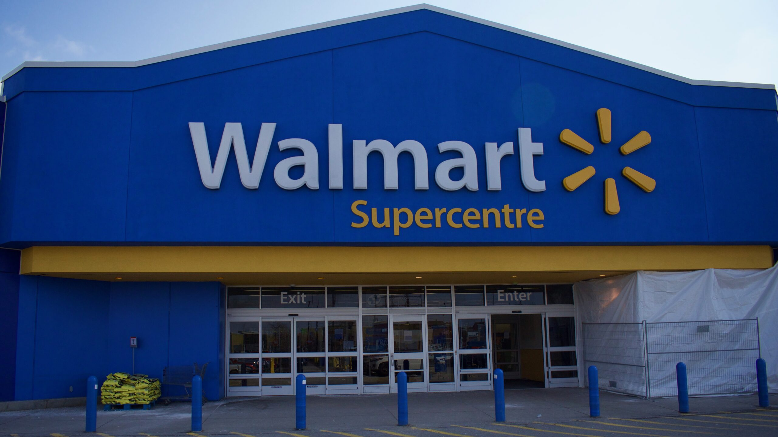 Walmart Canada plans to hire 10,000 during COVID-19 pandemic