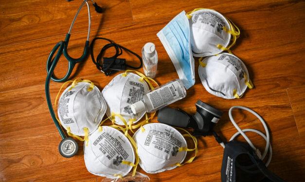 Humber donates medical gear to hospital, York Region medics
